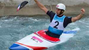 Tony Estanguet devient champion olympique de canoë pour la troisième fois de sa carrière, le 31 juillet 2012 aux Jeux olympiques de Londres.