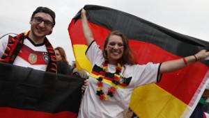 Des supporters de l'équipe d'Allemagne après le match entre la Mannschaft et l'Irlande du Nord le 21 juin 2016