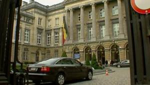 Fébriles négociations pour former un gouvernement en Belgique (1er décembre 2007)