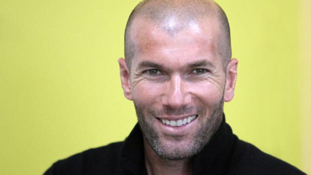 Top des plus beaux hommes Zinedine-zidane-10289545iqehy_1713