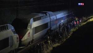 750 passagers d'un TGV Paris-La Rochelle bloqués après un incendie