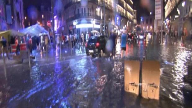La foudre blesse 11 personnes à Paris : que faut-il faire pour se protéger en cas d'orage ?