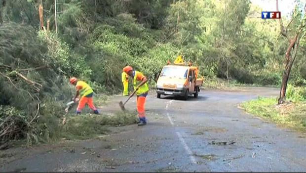 Après le passage du cyclone Dumile, la Réunion se relève doucement
