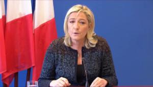 """Le 20 heures du 7 novembre 2014 : Intervention de Hollande : """"Quelque chose de pitoyable"""" pour M.Le Pen - 437.001"""
