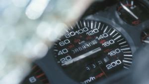 compteur voiture régulateur vitesse route nationale auto automobile Voiture - automobile - levier - vitesse - permis intérieur volant conduite conducteur routes