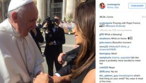 Eva Longoria rencontre le Pape à Rome.