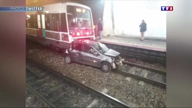 Val-de-Marne : une voiture tombe sur les voies du RER et se fait traîner sur plusieurs mètres