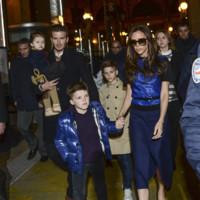 David et Victoria Beckham accompagnés de leurs enfants, le 18 février 2013 à Paris.