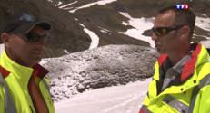 Le 13 heures du 3 juin 2015 : Col de Liseran, c'est la fin de l'hiver mais il faut déblayer la neige - 1791
