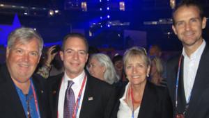 Edward Patrick Flaherty (1er à gauche) avec notamment Reince Priebus (2e à gauche), le président du Comité national républicain, à la convention républicaine de Tampa, 26/8/12