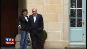 DSK: les images de son arrivée chez lui, place des Vosges