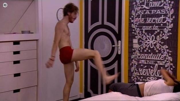 Geoffrey s'attaque ensuite à Jessica.