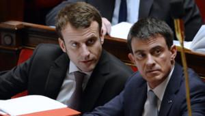 Manuel Valls et Emmanuel Macron à l'Assemblée nationale le 14 février 2015