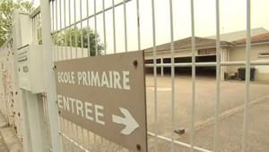 L'entrée de l'école Louis-Aragon, à Floirac (21 mai 2009)