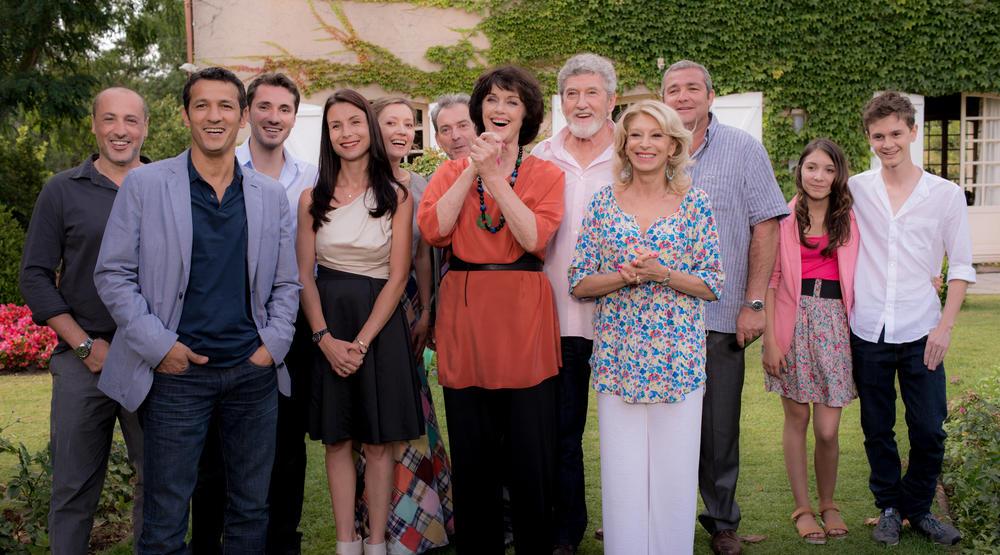 News une famille formidable une famille formidable la saison 10 partir - Photo famille formidable ...