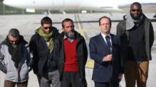 De gauche à droite : Marc Féret, Pierre Legrand, Daniel Larribe et Thierry Dol, avec François Hollande au milieu, le 30/10/13