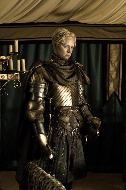 Le Trône de fer Saison 2 (Game of Thrones). Série créée en 2010. Avec : Nikolaj Coster-Waldau, Michelle Fairley, Lena Headey, Emilia Clarke et Peter Dinklage
