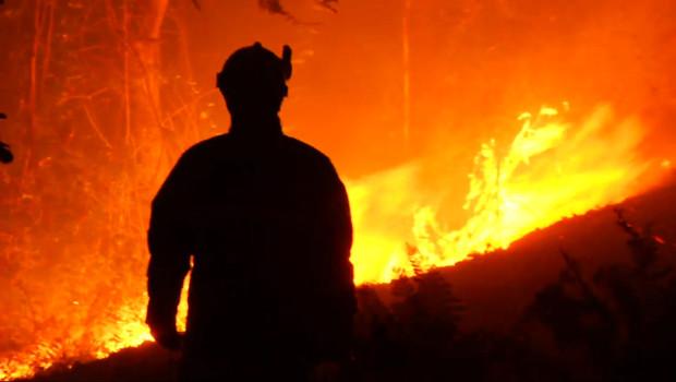 Le 13 heures du 23 octobre 2014 : La Corse d�st�par des incendies - 74.45909744262696