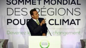 """Arnold Schwarzenegger lors du """"sommet des régions pour le climat"""" à Paris le 11 octobre."""