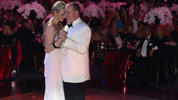 Charlène Wittstock et Albert de Monaco au Gala de la Croix-Rouge, le 3 août 2012.