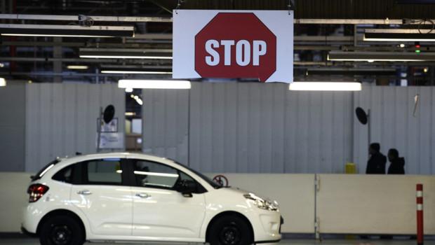 Une Citroën C3 à la sortie de la chaîne d'assemblage de l'usine d'Aulnay.