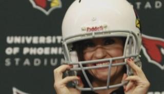 Elle s'appelle Jen Welter, c'est la première femme à devenir coach en NFL
