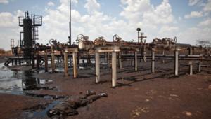 Soldat soudanais tué devant une installation pétrolière à Heglig, 17/4/12