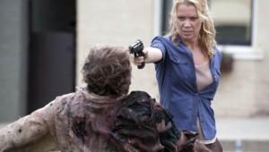The Walking Dead Saison 3 Episode 9. Série créée par Frank Darabont en 2010. Avec : Andrew Lincoln, David Morrissey, Sarah Wayne Callies, Laurie Holden et Danai Gurira.