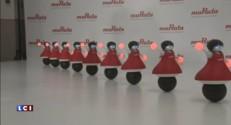 """Au Japon, des """"pom-pom girls"""" robots dansent pour vanter l'électronique"""