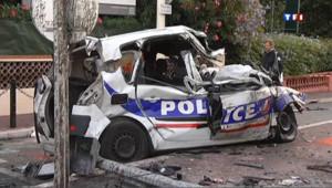 Deux personnes, dont un policier, sont tuées dans un accident de la circulation causé par un chauffard en fuite à Cannes, dans les Alpes-Maritimes, le 22 septembre 2012.