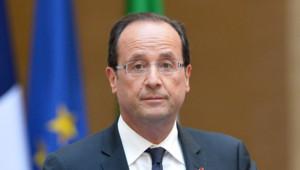 François Hollande a mis fin aux fonctions de sa ministre de l'Écologie, Delphine Batho, qui contestait les coupes prévues par le budget 2014 pour son ministère.