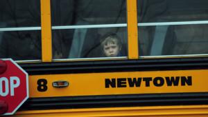 Bus scolaire à Newtown, le 18/12/12, quatre jours après la tuerie