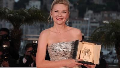 Kirsten Dunst, prix d'interprétation féminine à Cannes pour Melancholia (mai 2011)