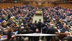 """""""Panama Papers"""" : David Cameron dans la tourmente, la presse britannique demande sa démission"""