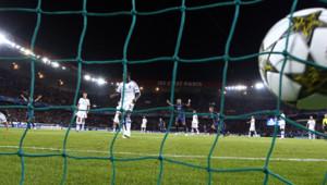 Thiago Silva vient d'inscrire le 2e but du PSG face au Dynamo Kiev, le 18 septembre 2012, lors du premier match de C1 au Parc des Princes depuis 18 ans.