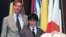 Le mari et le fils d'Aung San Suu Kyi reçoivent à sa place le prix Sakharov du Parlement européen, 10/7/1991