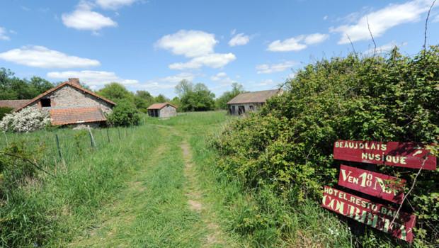 Le hameau de Courbefy mis aux enchères le 21 mai 2012
