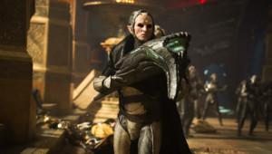 Christopher Eccleston est Malekith le maudit dans Thor : le monde des ténèbres d'Alan Taylor