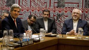 Le secrétaire d'Etat américain John Kerry et son homologue iranien Mohammad Javad Zarif.