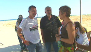 Olivier Besancenot (à l'extrême-gauche sur la photo) à Port-Leucate, dans l'Aude (23 août 2009)