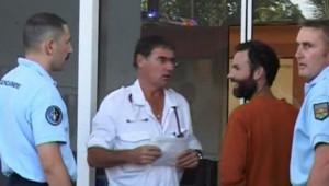 TF1/LCI : Loïc Pillois, l'un des deux randonneurs qui sont restés perdus 52 jours dans la jungle guyanaise (6 avril 2007)