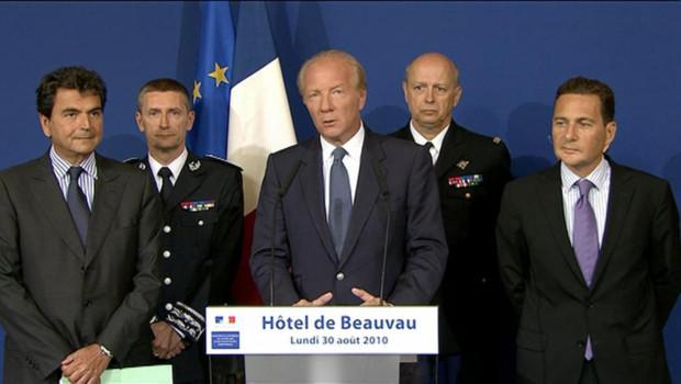 http://s.tf1.fr/mmdia/i/59/4/conference-de-presse-de-brice-hortefeux-le-30-aout-2010-10058594lnurz_1713.jpg?v=2