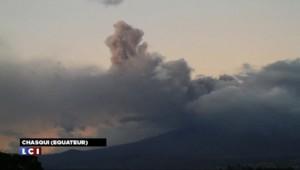 Equateur : les autorités surveillent avec inquiètude le volcan Cotopaxi