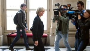 Elisabeth Guigou dans les couloirs de l'Assemblée nationale (17 juin 2012)