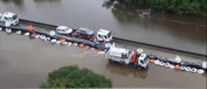 Inondations : les voitures de l'autoroute A10 enfin évacuées