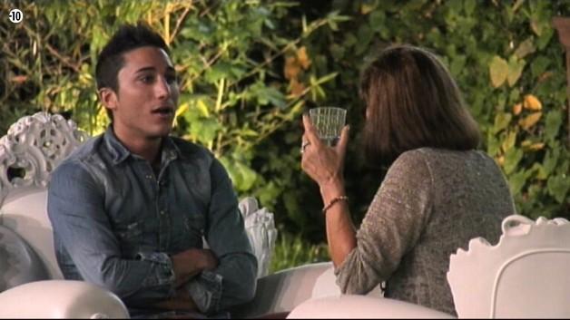 Vivian affirme qu'il est comblé avec Nathalie et que beaucoup de couples sans différence d'âge sont moins heureux qu'eux.