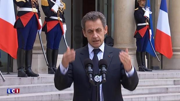 """Brexit : """"Faisons de cette crise historique l'opportunité d'une nouvelle énergie"""", dit Sarkozy"""