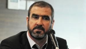 Eric Cantona lors d'une conférence de presse à Singapour, le 3 mars 2011.