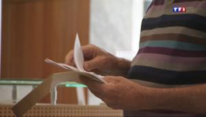 Le 13 heures du 25 août 2014 : Les avis d'imposition arrivent, les Fran�s �elonnent de plus en plus - 555.5920359954833