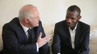 Le 20 heures du 29 janvier 2015 : Lassana Bathily, le héros de la porte Vincennes, en visite au Mali - 726.7598207092285